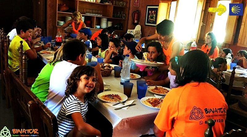 camino de santiago con niños, viaje en familia camino de santiago, campamento en familia, campamento con niños, viaje con niños, escapada verano con niños, aventura con niños